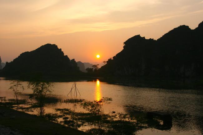 Ninh Binh sunset Vietnam harvest