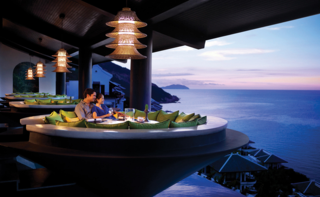 Best honeymoon dining table in the world - intercontinental vietnam