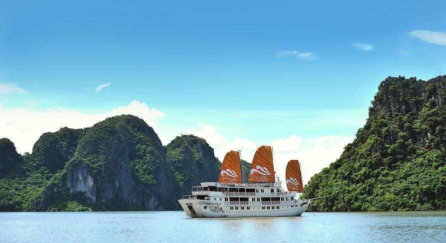 best luxury cruise halong bay