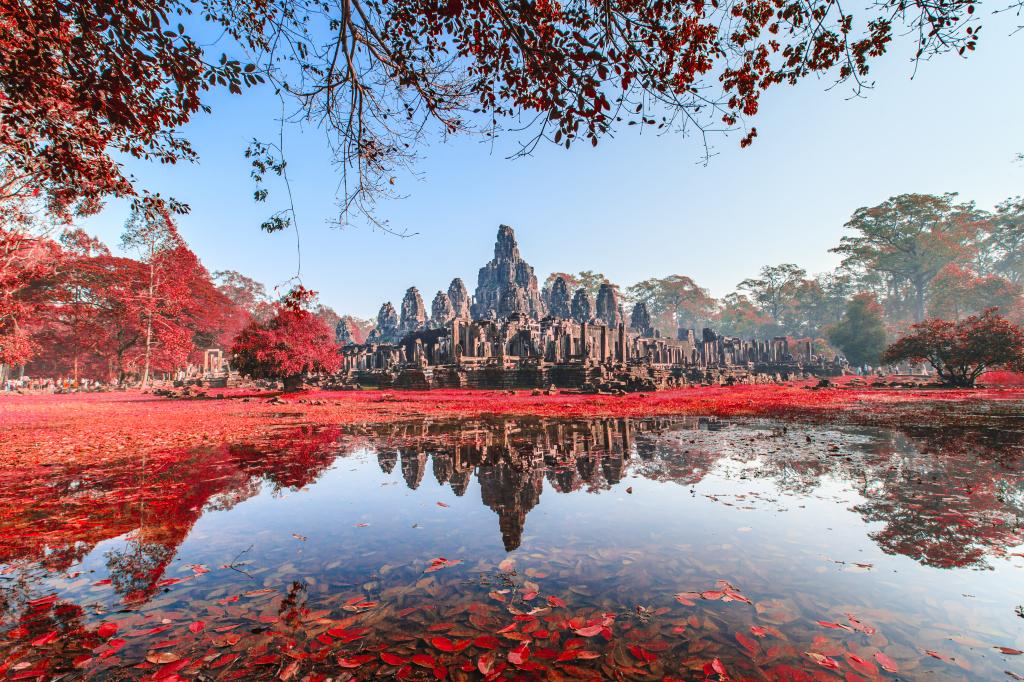 bayon temple cambodia holiday