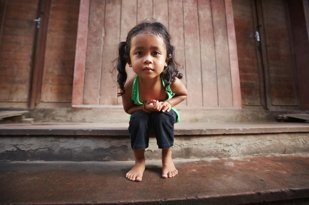 girl cambodia holiday