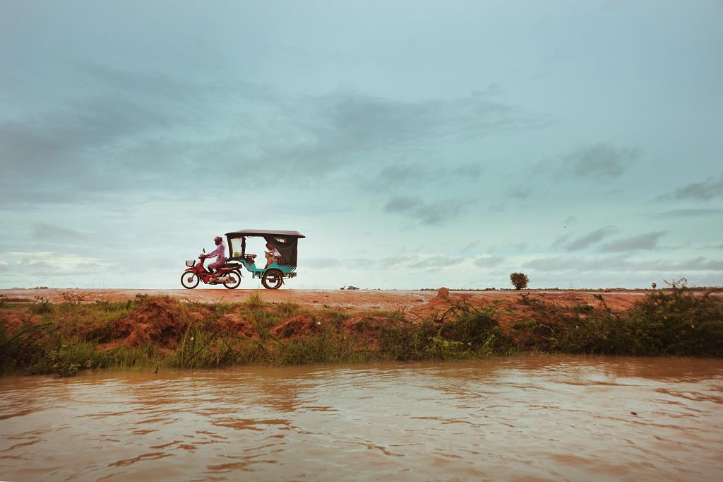 tuk tuk cambodia holiday
