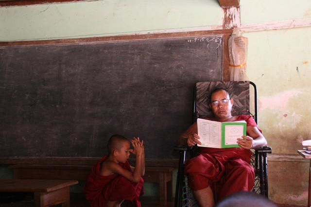 monks hsipaw myanmar