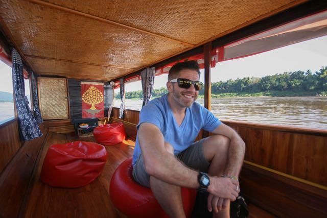 private charter boat luang prabang