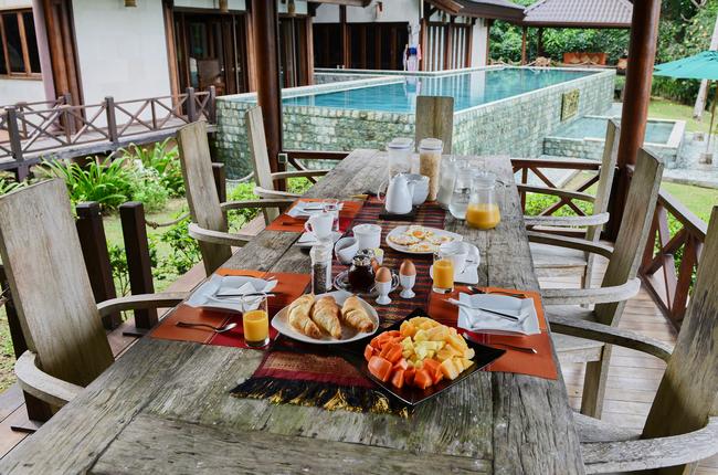 hibiscus-villa-breakfast