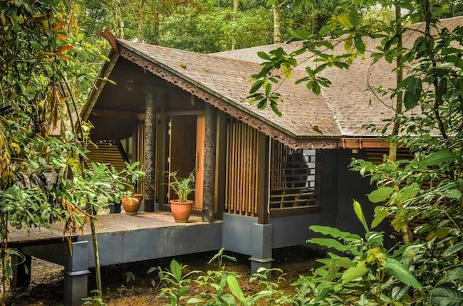 sukau-rainforest-lodge-villa