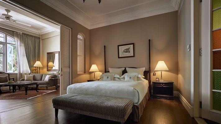 e-and-o-penang-bedroom